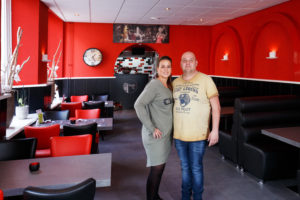 Margé en Toon Heesbeen in restaurant Toontje in de Stad.